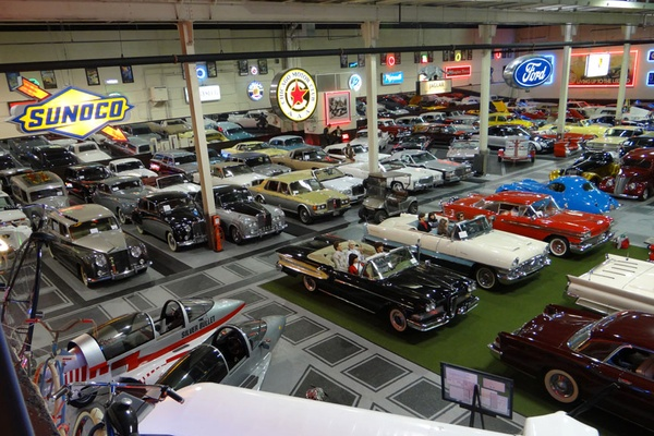 Photo of Chicago event space venue Klairmont Kollections's Classic Cars Cafe