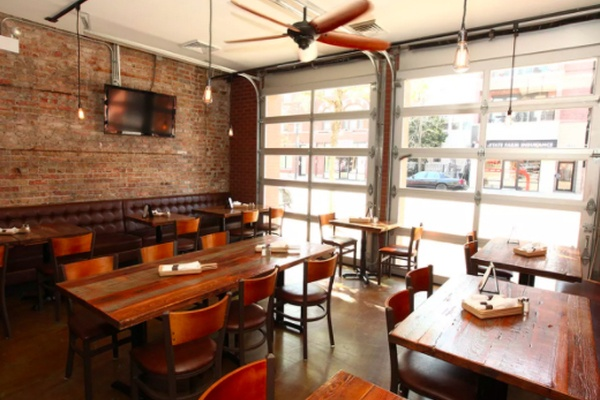 Photo of Chicago event space venue Roots Handmade Pizza - Chicago Avenue's East Section