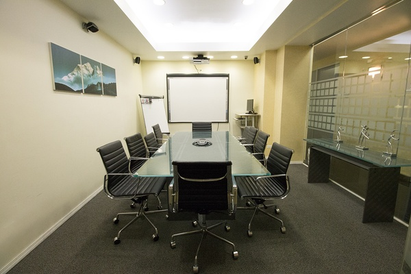 Photo of NYC / Tri-State event space venue Jay Suites Grand Central's 2nd floor Meeting Room