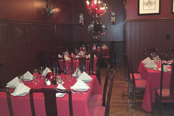 Photo of NYC / Tri-State event space venue Diamond's Restaurant's Ruby Room