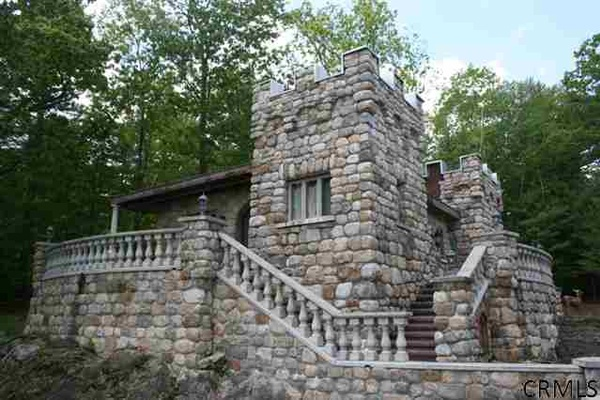 Photo of Upstate New York event space venue Highlands Castle's The Castle Cottage