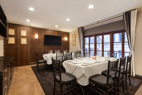 Photo of NYC / Tri-State event space venue The Iroquois Hotel's The Boardroom