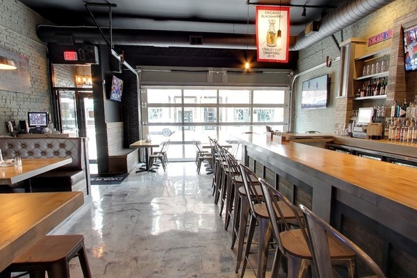 Photo of Chicago event space venue The Warehouse Bar & Pizzeria's The Warehouse Bar & Pizza (Entire Bar Rental)