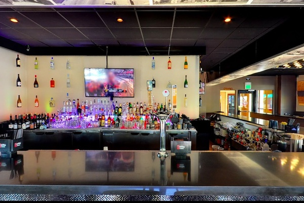 Photo of San Francisco event space venue Napkins Bar & Grill's Main Space
