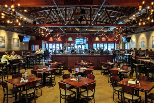 Photo of Chicago event space venue Tap House Grill - Palatine's Main Space - Full Buyout