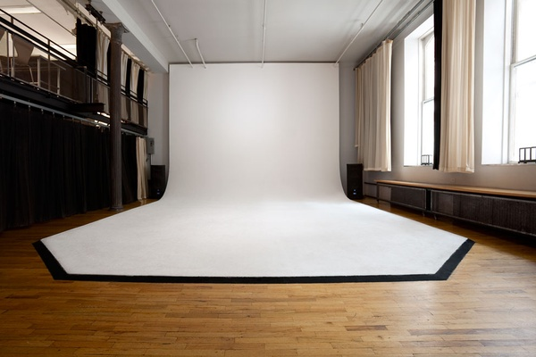 Photo of NYC / Tri-State event space venue NY Event Space by Capsule Studio 's 16ft Ceiling CYC STUDIO | MEETING | EVENT