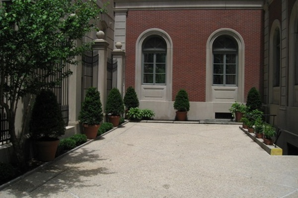 Photo of NYC / Tri-State event space venue House of the Redeemer's Courtyard