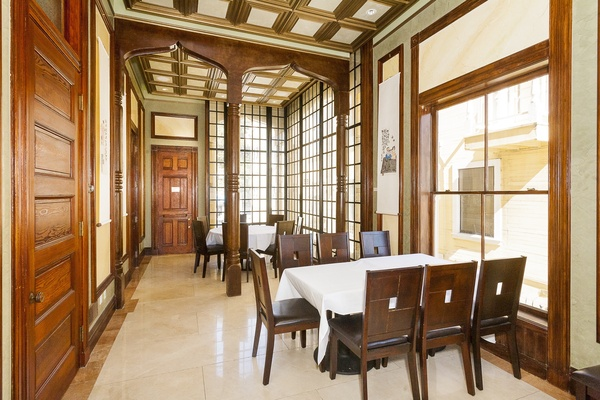 Photo of San Francisco event space venue The Payne Mansion Hotel's Sun Room