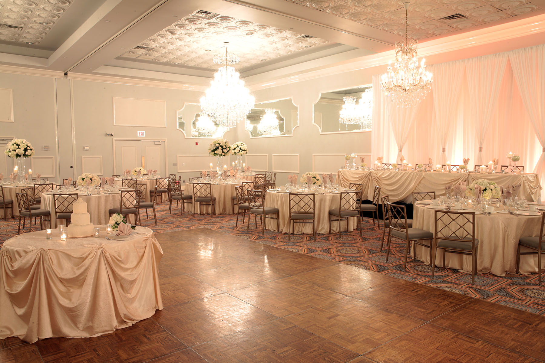 Oak Ballroom event space at Drury Lane Theatre & Convention Center in New York City, NYC, NY/NJ Area