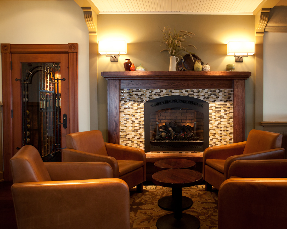 Photo #5 The Lounge at Hilltop 1892