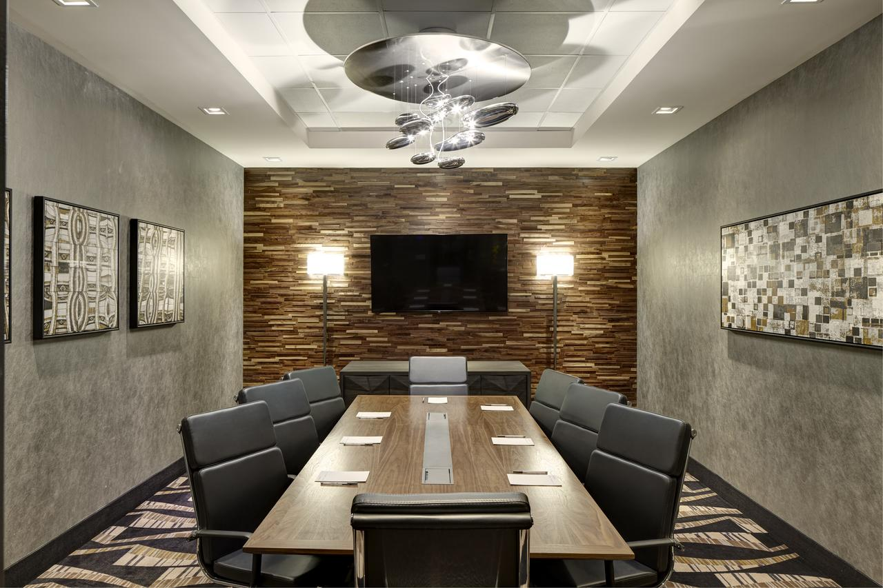 Photo #3 Boardroom at Hampton Inn Brooklyn