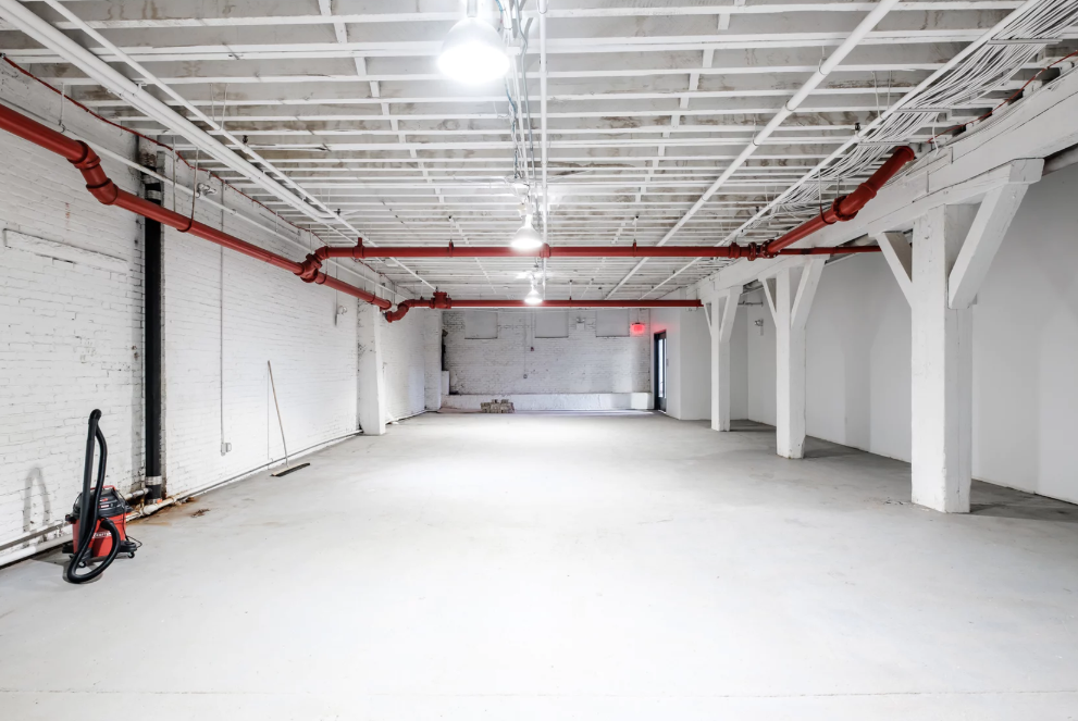 Photo #14 The White Brick Space at The Box Factory