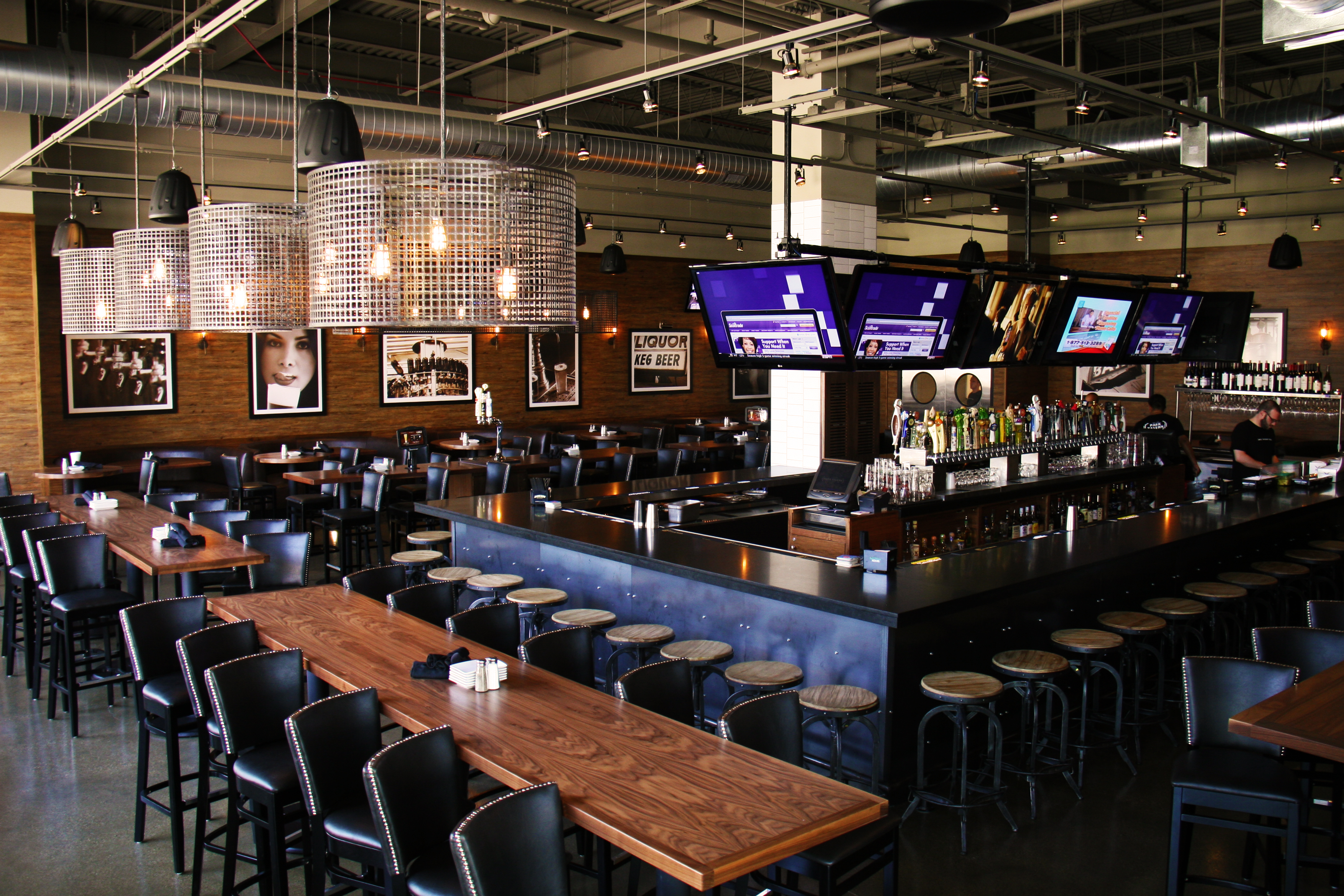 Full Venue event space at Park Tavern Rosemont in Chicago, Chicagoland Area
