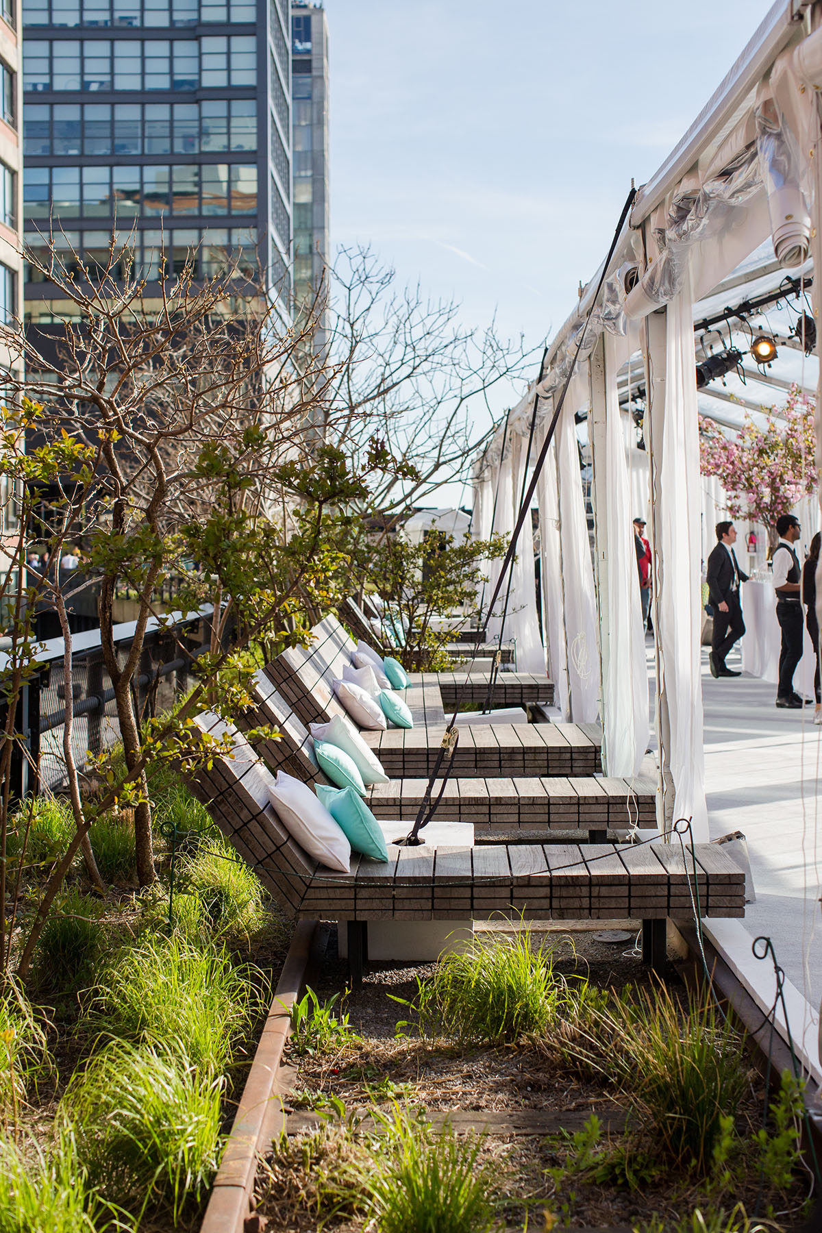 Photo #7 Diller - von Furstenberg Sundeck  at High Line - Chelsea Market Passage