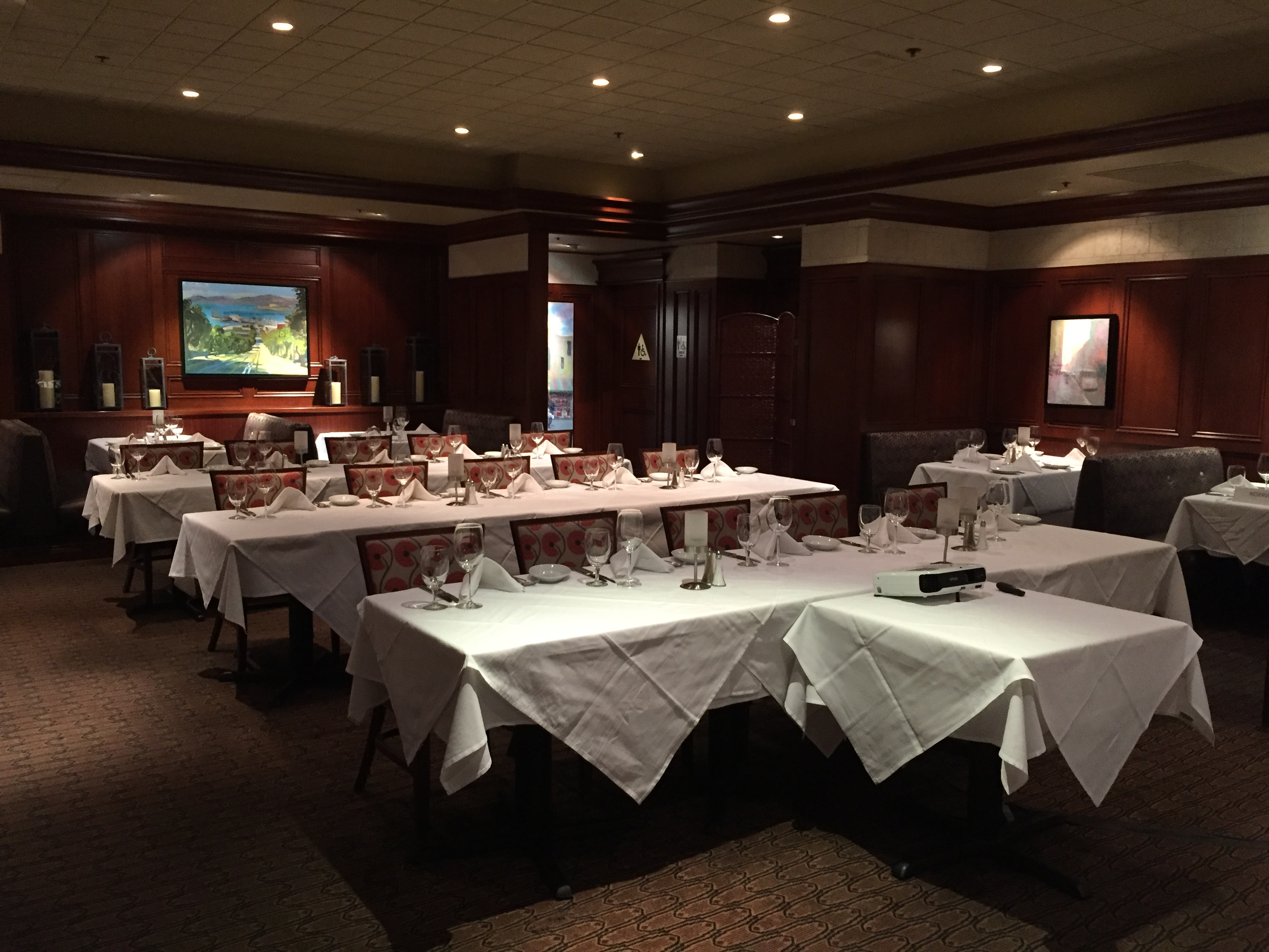 Photo #12 Main Dining Room at Ruth's Chris Steak House