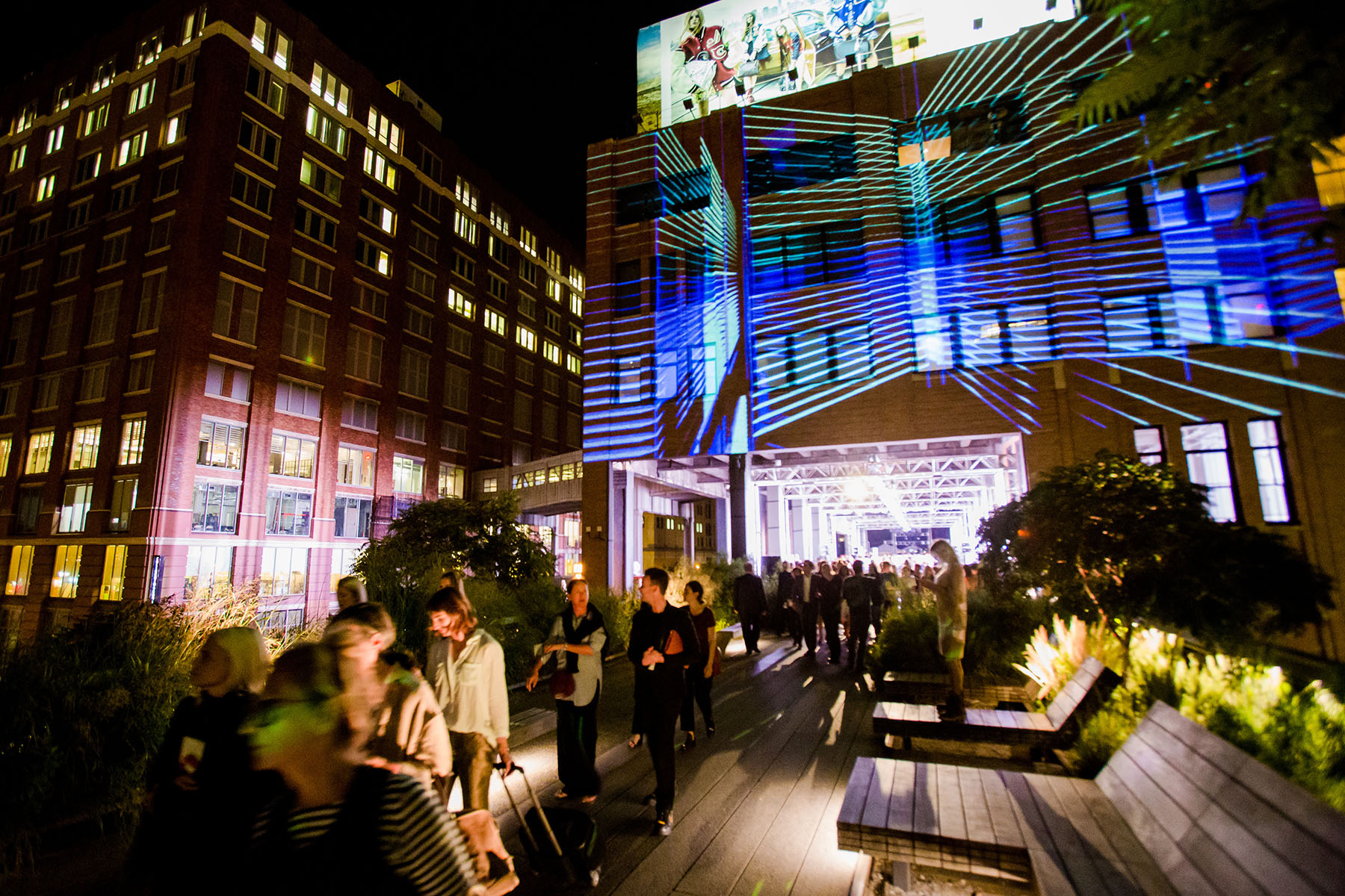 Photo #8 Diller - von Furstenberg Sundeck  at High Line - Chelsea Market Passage