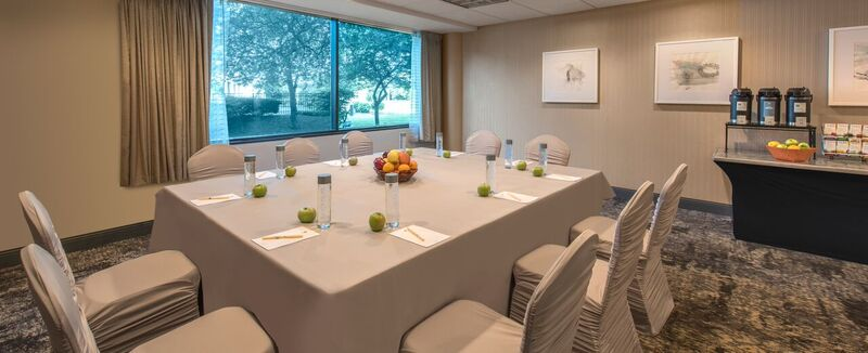 Photo #4 McHenry Room/Meeting Space at DoubleTree by Hilton Chicago -Schaumburg