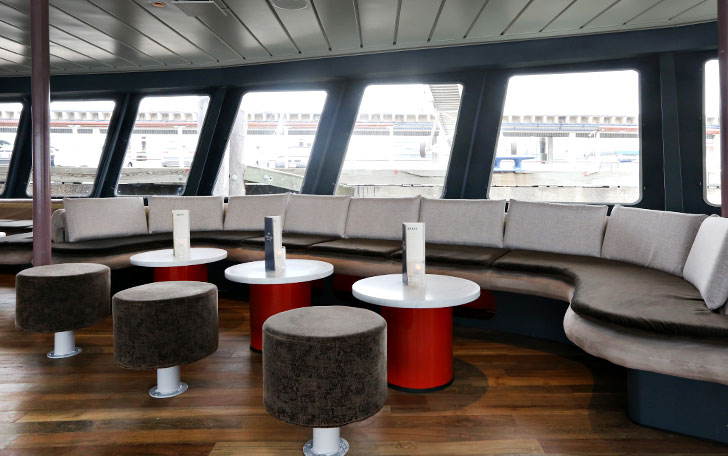Photo #47 Hudson's Lounge at World Yacht