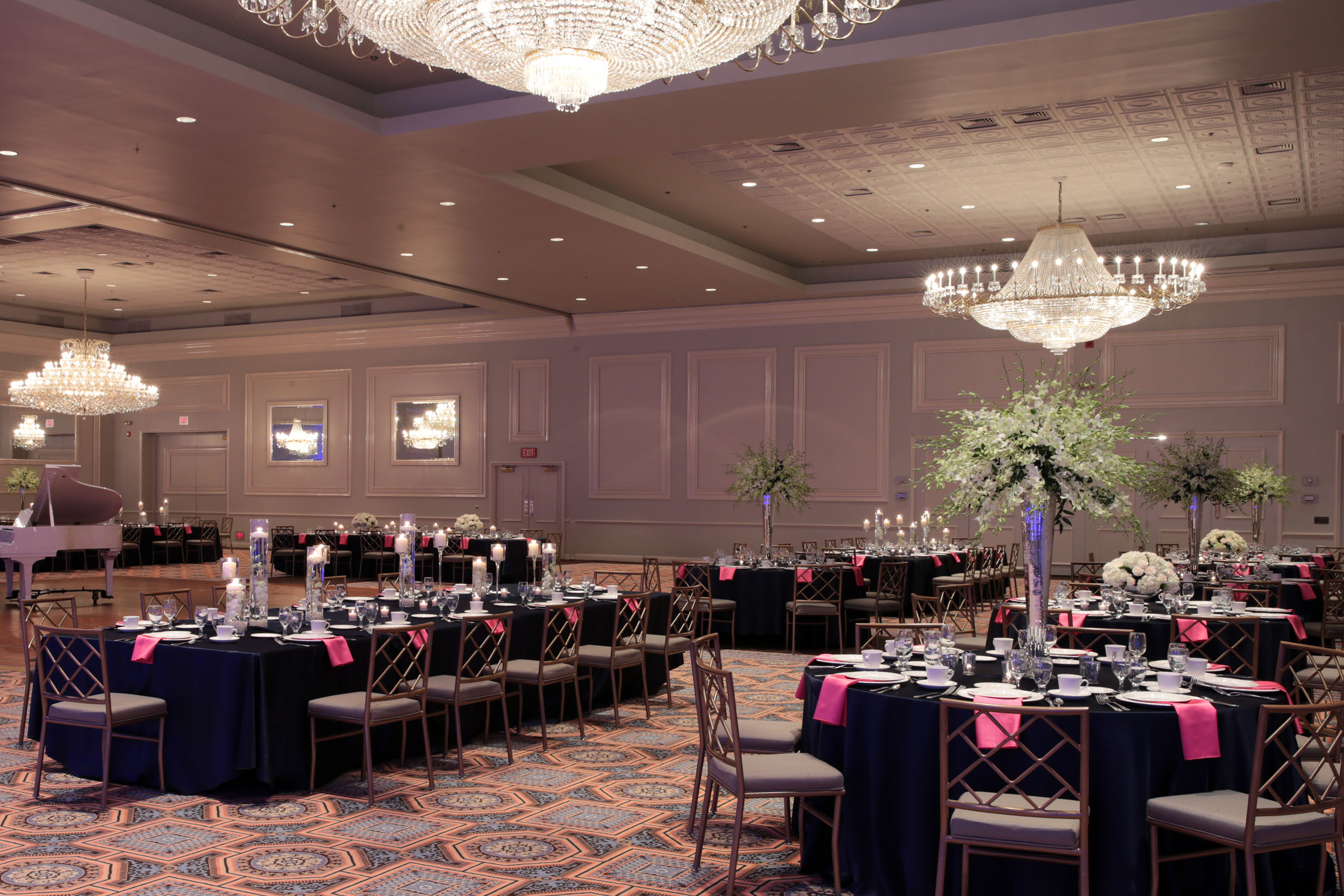 Photo #2 Oak Ballroom at Drury Lane Theatre & Convention Center