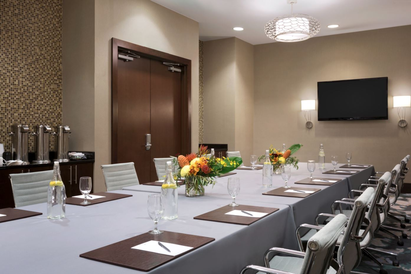 Photo #23 Redstone Room at Embassy Suites Denver Downtown