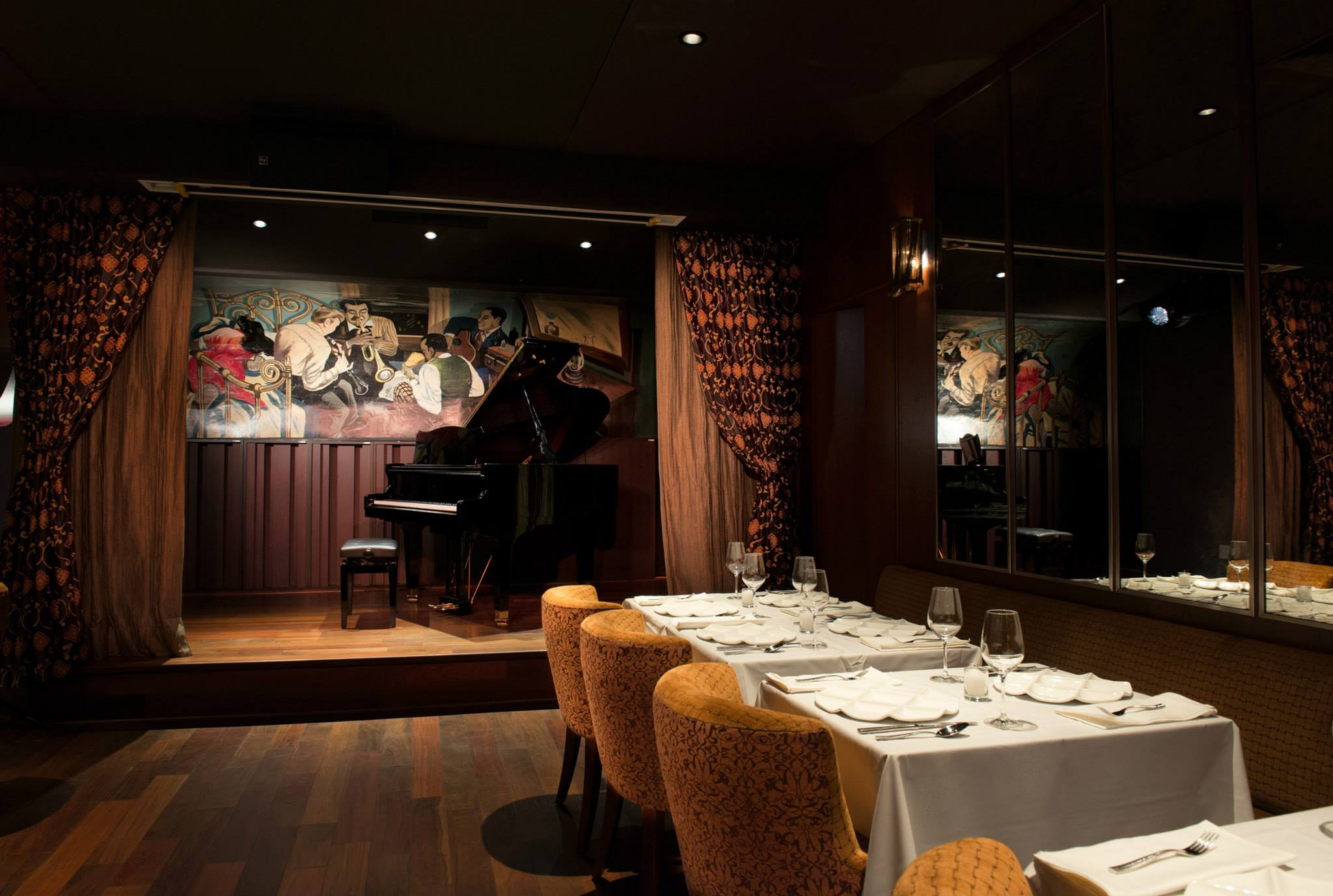 Photo #3 Main Dining Room at Minton's
