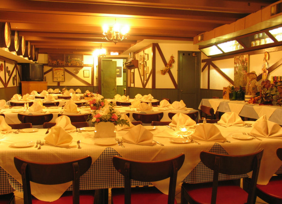 Photo #4 Full Venue at Old Europe Restaurant