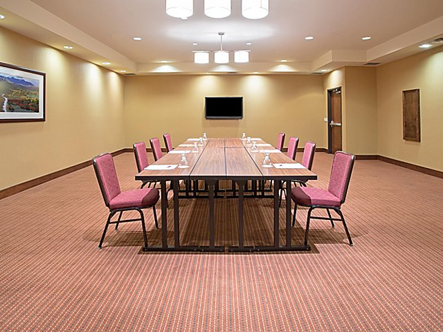 Photo #5 Telluride Meeting Room at Crowne Plaza Denver Airport Convention Center