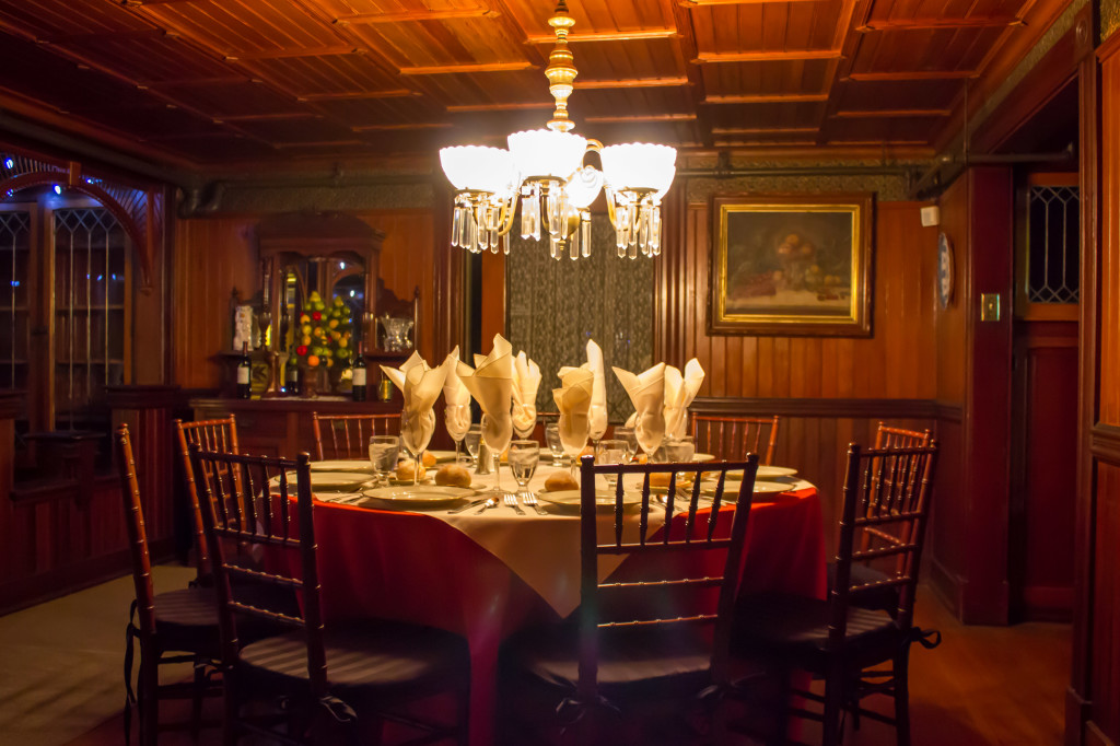 Photo #15 Venetian Dining Room at Winchester Mystery House