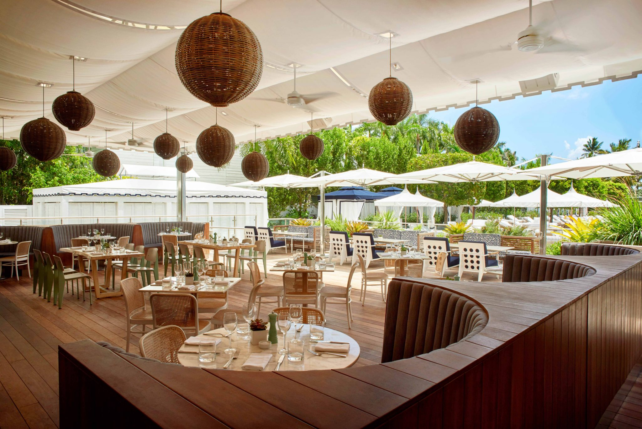 Photo #4 Cabana Club Dining Room at Nautilus by Arlo