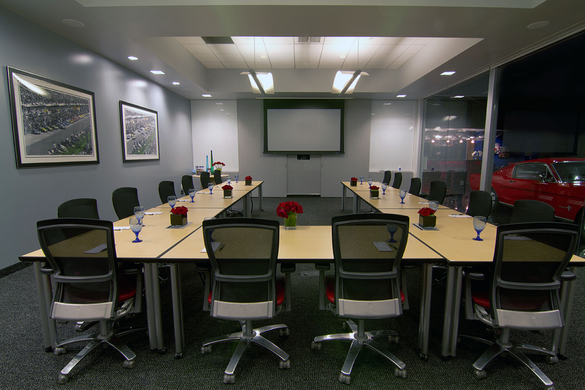 Photo #15 Grand Prix - Conference Room at Club Auto Sport