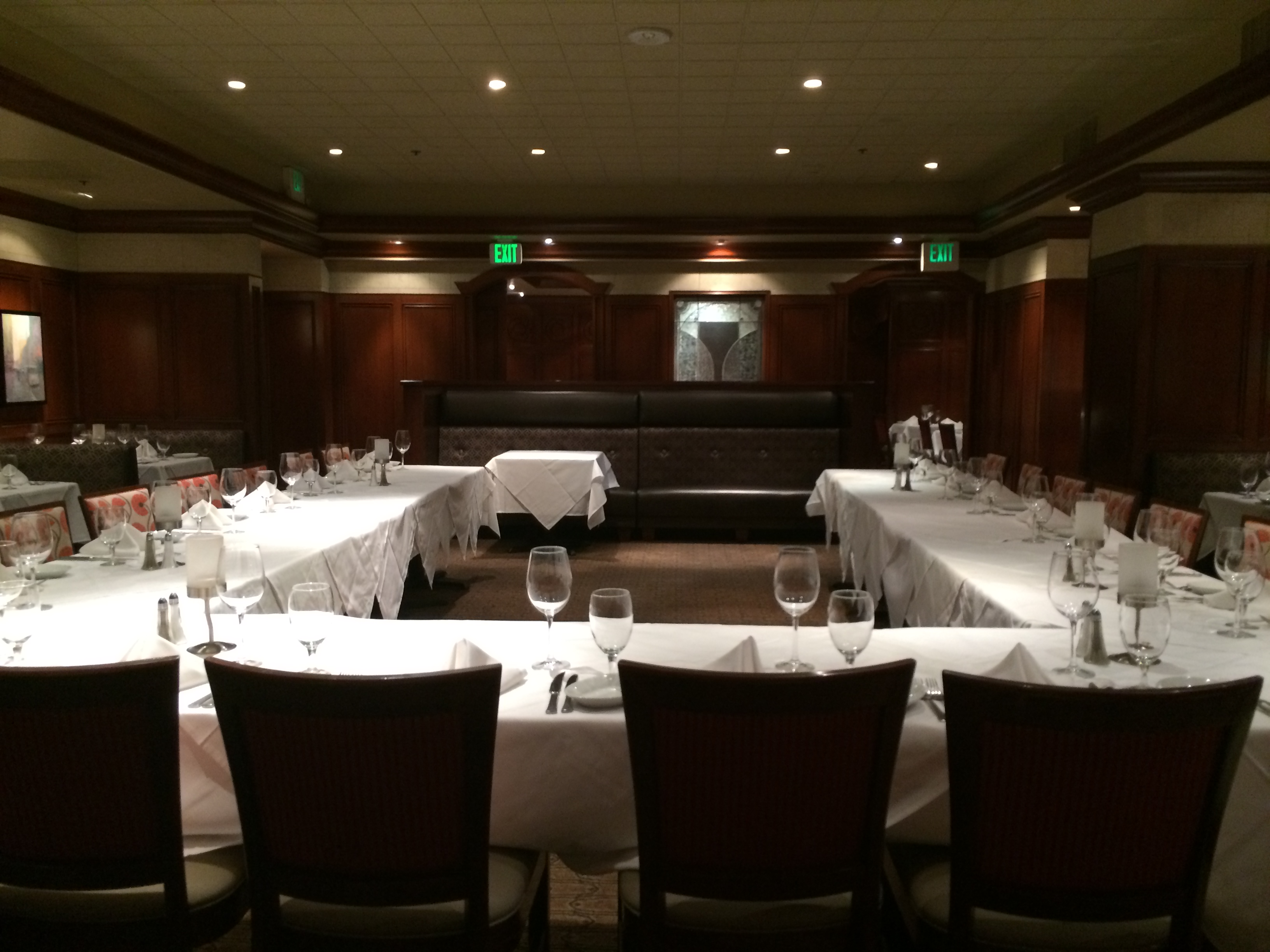 Photo #15 Main Dining Room at Ruth's Chris Steak House
