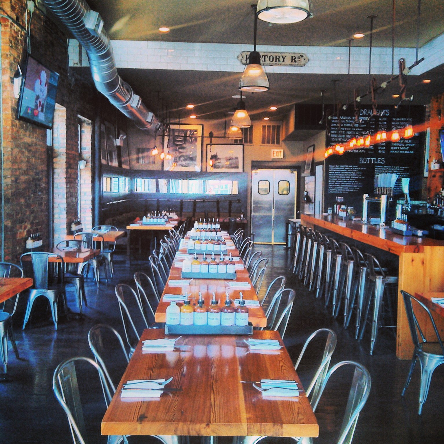 Restaurant Buyout event space at Lillie's Q in Chicago, Chicagoland Area