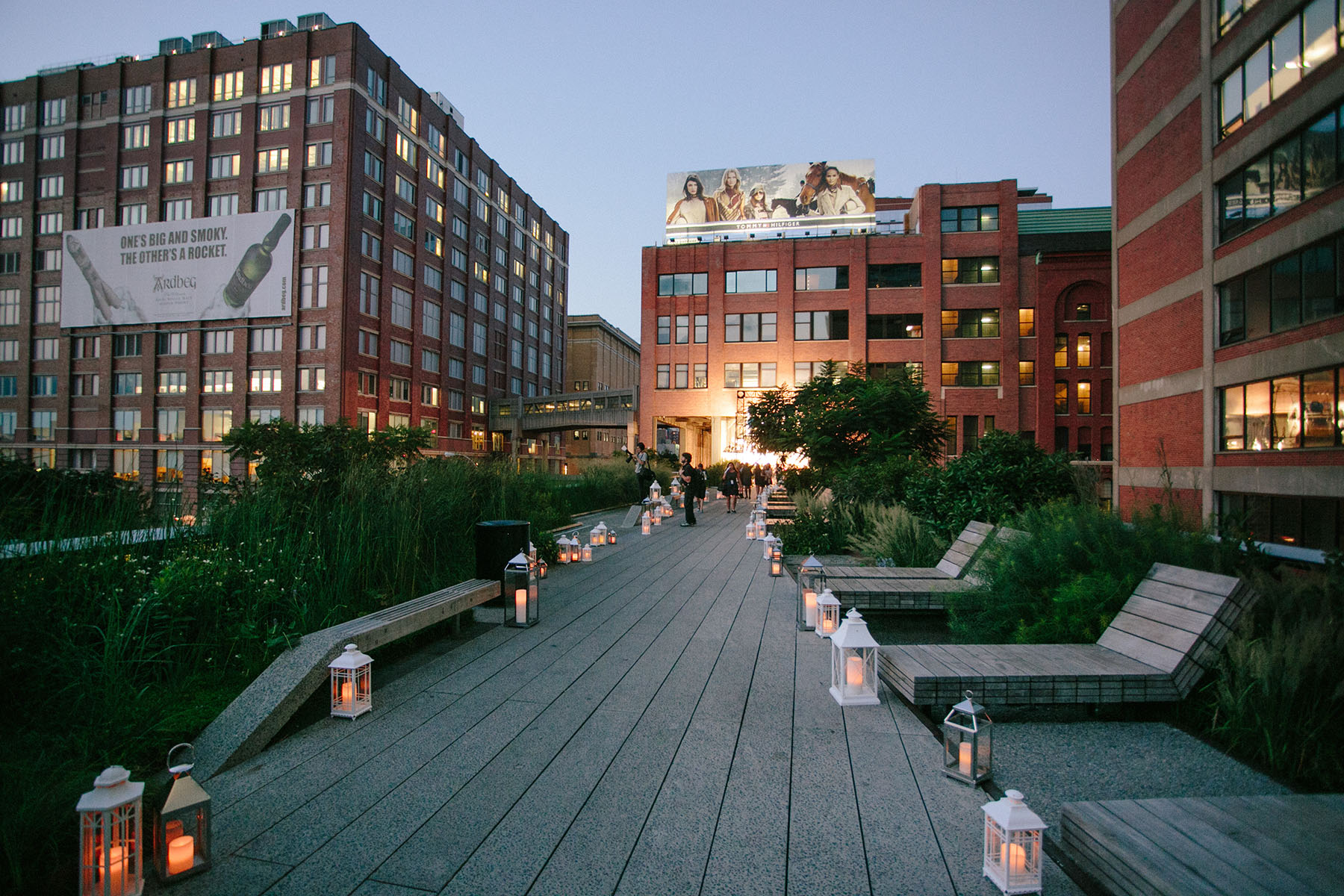 Photo #6 Diller - von Furstenberg Sundeck  at High Line - Chelsea Market Passage